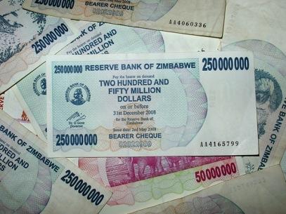06-zimbabwedollars250000000-thumb